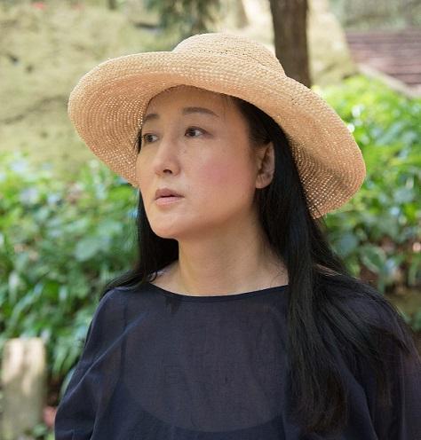 柳美里さん 撮影 宍戸清孝